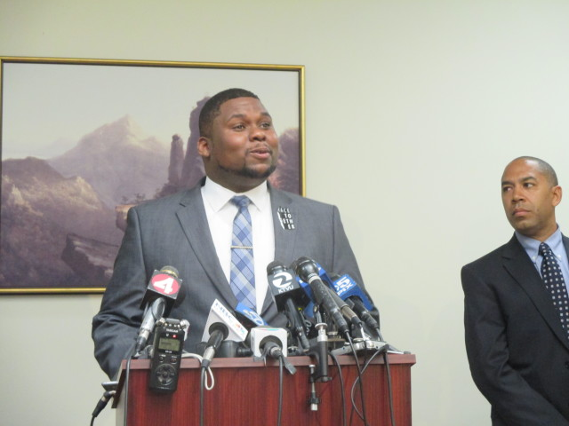 De-Anthony Jones says a lack of community trust in SFPD means criminals are getting away