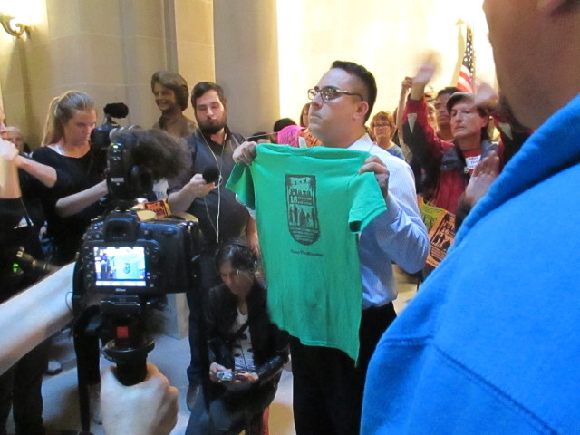 "The mayor refuses to accept a ""good faith"" shirt from the Mission moratorium activists"