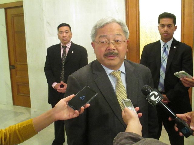 Guess what? Mayor Lee is siding with Airbnb
