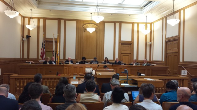 The SF Planning Commission voted 5-2 to allow tech offices in the neighborhoods