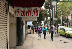 As the dollar soars, Mexico City residents are forced to rethink their financial standing. Photo by Caitlin Donohue