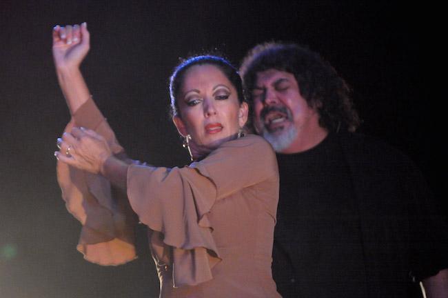 Yaelisa with singer Manuel de la Malena. Photo by Dave Friedman